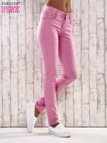 Różowe spodnie skinny jeans biodrówki                                  zdj.                                  1