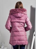 Różowy płaszcz z futrzanymi kieszeniami                                  zdj.                                  2