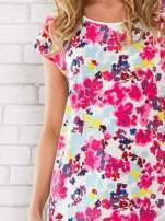 Różowy t-shirt z kwiatowym wzorem                                  zdj.                                  5