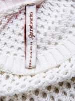 STRADIVARIUS Biały ażurowy sweter z rękawem 7/8
