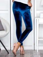 Spodnie dresowe welurowe z diamencikami przy kieszeniach turkusowe                                  zdj.                                  2