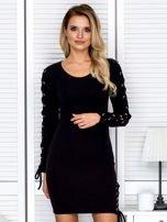 Sukienka damska w prążek ze sznurowaniami czarna                                  zdj.                                  1
