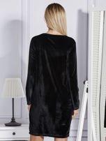 Sukienka damska welurowa z kieszeniami czarna                                  zdj.                                  2