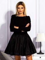 Sukienka damska z rozkloszowaną spódnicą czarna                                  zdj.                                  1