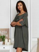 Sukienka khaki o kroju oversize ze sznurowaniem                                  zdj.                                  3