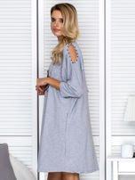 Sukienka oversize z wycięciami na rękawach i perełkami szara                                  zdj.                                  5
