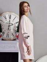 Sukienka z tasiemkami przy mankietach różowa                                  zdj.                                  5