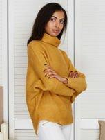 Sweter beżowy z dłuższym włosem                                  zdj.                                  3