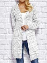 Sweter z melanżowym wzorem biało-ciemnoszary                                  zdj.                                  1