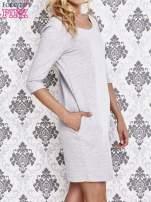Szara dresowa sukienka z wiązaniem na plecach                                  zdj.                                  3