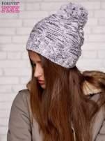 Szara melanżowa czapka z pomponem