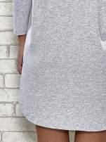 Szara sukienka z rozporkami po bokach                                  zdj.                                  6