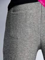 Szare melanżowe spodnie dresowe w stylu casual                                                                          zdj.                                                                         7