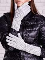 Szare rękawiczki o warkoczowym splocie z błyszczącą nicią                                  zdj.                                  1