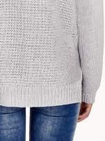 Szary sweter o większych oczkach                                  zdj.                                  7