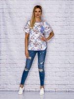 T-shirt damski w motywy kwiatowe z kieszonką                                  zdj.                                  4