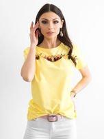 T-shirt damski z kolorowymi pomponikami żółty                                  zdj.                                  1