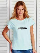 T-shirt damski z nadrukiem znaku zodiaku KOZIOROŻEC miętowy                                  zdj.                                  1