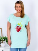 T-shirt miętowy z truskawką PLUS SIZE                                  zdj.                                  1