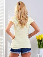 T-shirt żółty z motywem samochodu                                  zdj.                                  2