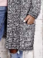 TOM TAILOR Czarny włochaty sweter z kieszeniami                                  zdj.                                  8