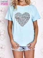 Turkusowy t-shirt z napisem JE T'AIME i dekoltem na plecach                                                                          zdj.                                                                         1