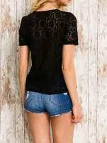 VERO MODA Czarny ażurowy t-shirt                                  zdj.                                  4