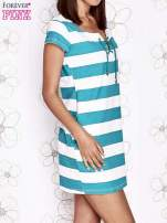 Zielona sukienka w paski ze sznurowanym dekoltem                                  zdj.                                  4
