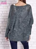 Zielony melanżowy sweter oversize o kroju nietoperz                                  zdj.                                  6