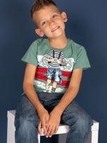 Zielony t-shirt dla chłopca z nadrukiem                                  zdj.                                  4