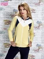 Żółta bluza z granatowymi wstawkami