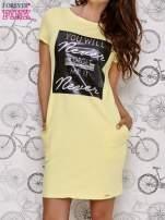 Żółta sukienka dresowa z napisem YOU WILL NEVER FORGET ME                                  zdj.                                  1