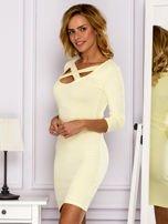 Żółta sukienka z paskami przy dekolcie                                   zdj.                                  5